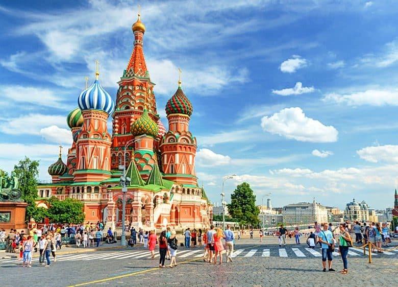 Rusya'da Rusça Dil Okullarının Sağladığı Eğitim Programları