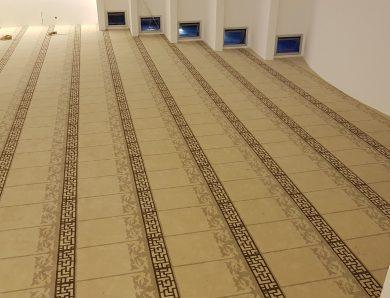 Akrilik Cami Halısı Neden Daha Ucuz?